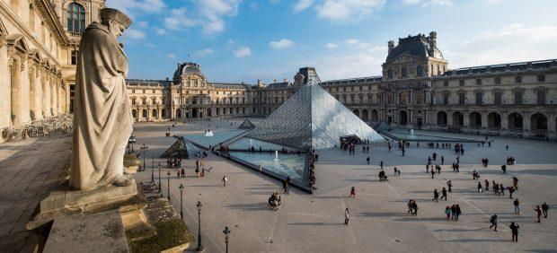 La Pirámide de Louvre cumple 30 años