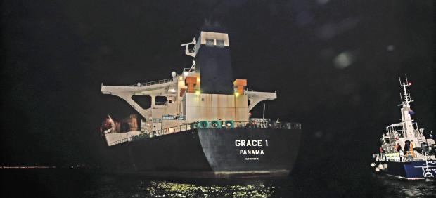El superpetrolero Grace 1 en el puerto de Gibraltar