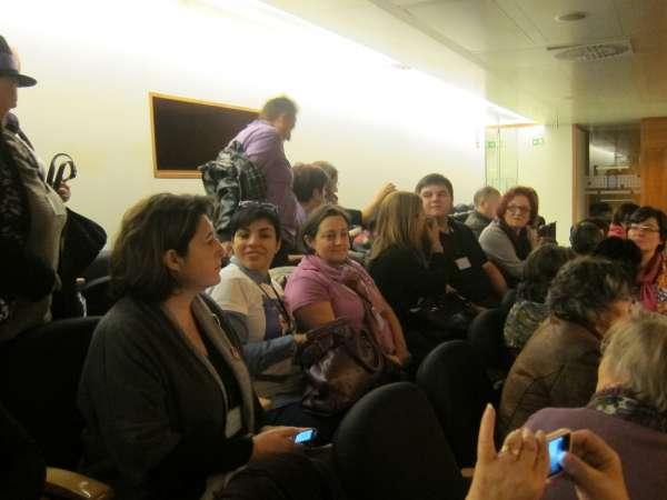 Distintos colectivos, pendientes de la votación en la Junta de la ley para crear una red de apoyo a embarazadas