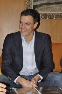 Sánchez (PSOE) afirma que Rajoy reacciona