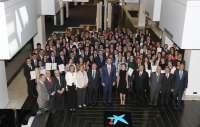 Dos estudiantes de Zaragoza reciben una beca 'la Caixa' para cursar estudios de posgrado en el extranjero