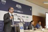 Lambán (PSOE) defiende un nuevo modelo productivo basado en la innovación