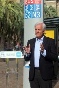 Suárez (PP) defiende el transporte público gratis a menores de 7 años y bonificado hasta los 14