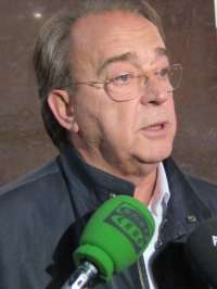 Pérez Anadón traslada a Santisteve la
