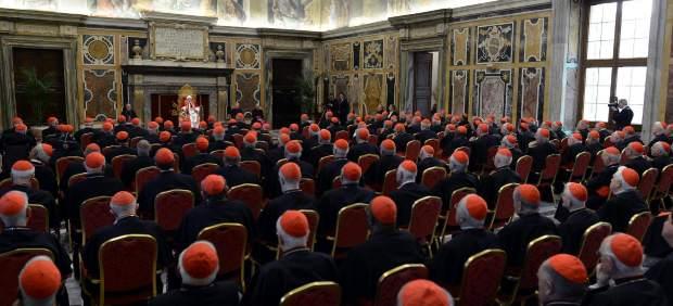 Benedicto XVI promete lealtad al futuro papa