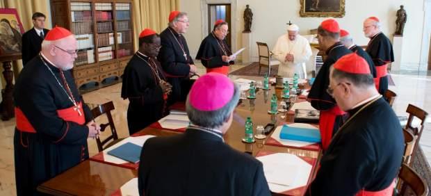 Francisco, durante una reunión con varios cardenales