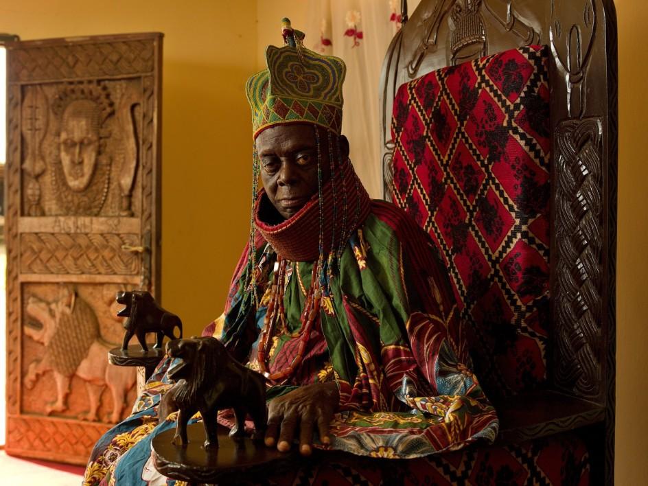 Su Majestad el Real Agbogidi Obi Ikechukwu Anyasi James II