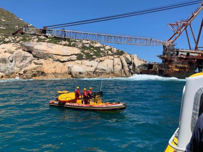 NSRI crew at the Bos 400 shipwreck in Hout Bay, Cape Town.