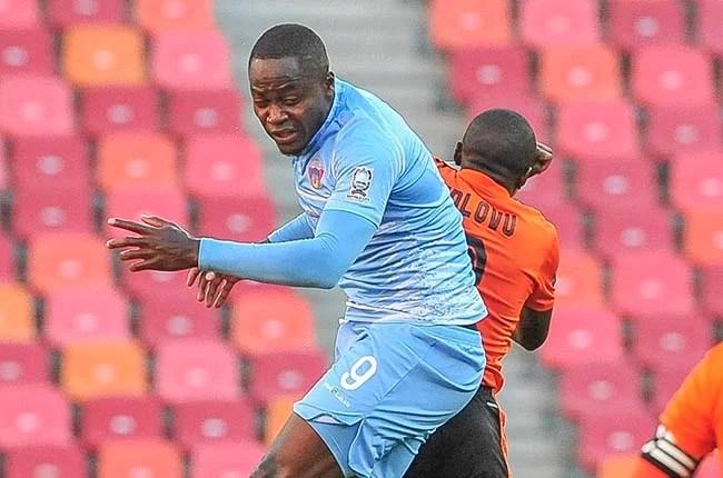 Eva Nga Bienvenu of Chippa United and Siphesihle Ndlovu of Orlando Pirates (Gallo)