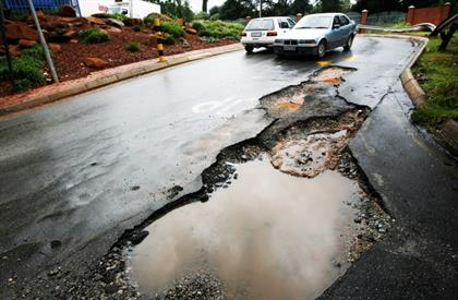 The City of Johannesburg missed its target for pothole repairs by a large  margin – and its track record for rates certificates is shaky