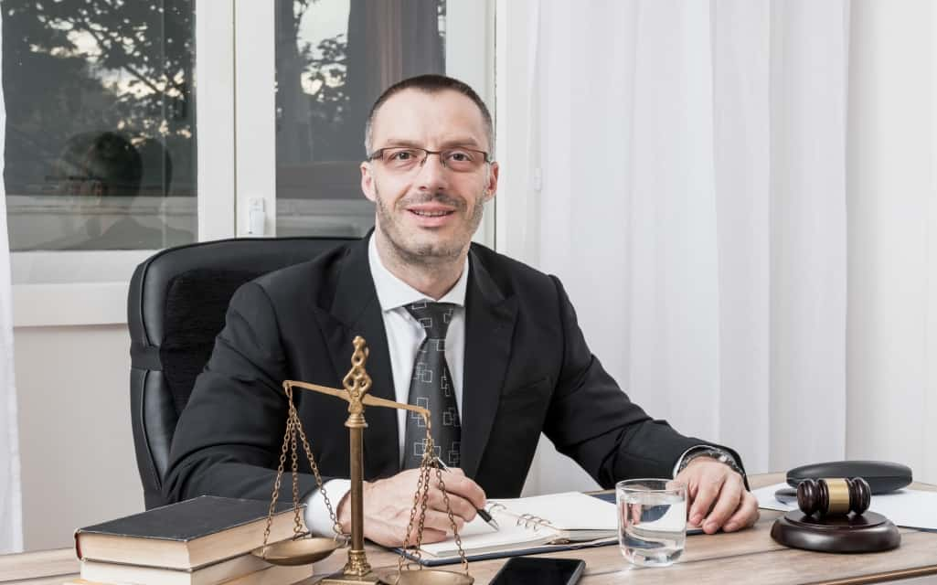 3 Qualities To Look For In A Good Lawyer 5 Best Things