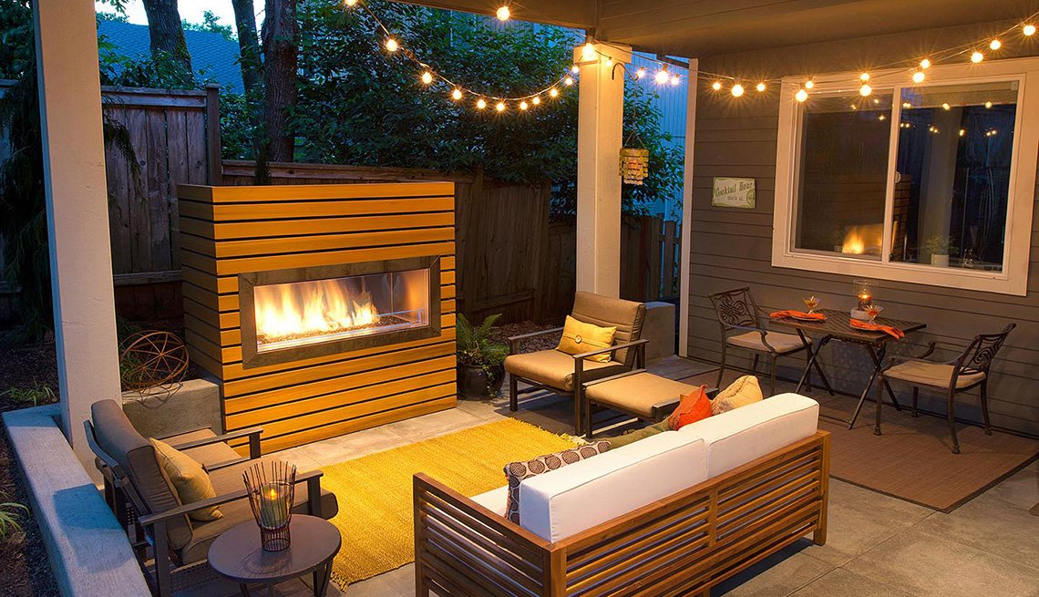 6 ways to continue socializing outdoors