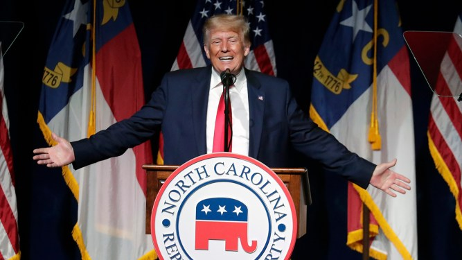 Trump speech yesterday: Former president returns to stage at North Carolina Republican convention, teases 2024 run - ABC7 Chicago