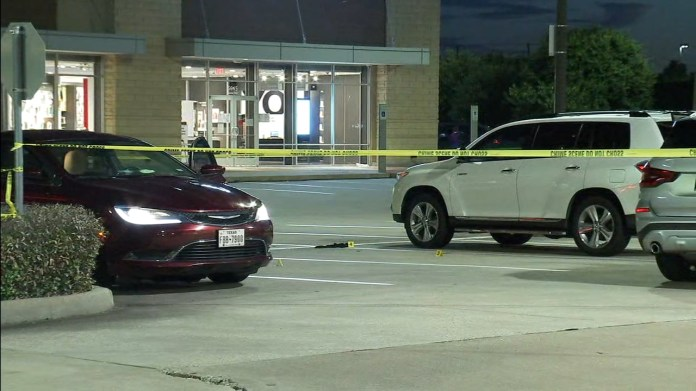 Son shot while fighting with dad in Whole Foods parking lot, Fort Bend Co. deputies say