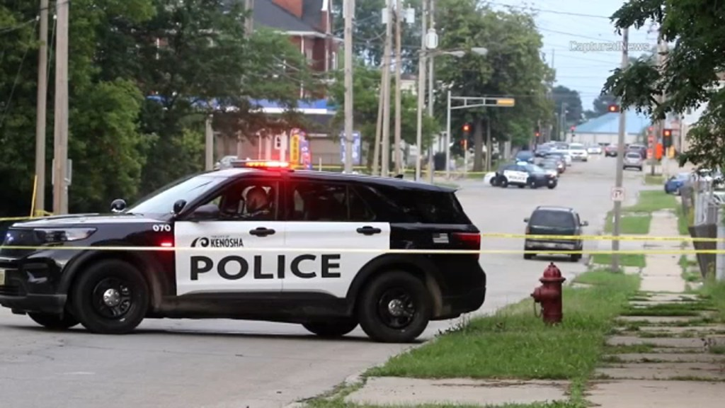 Girl shot while allegedly trying to steal car from Kenosha gas station: police