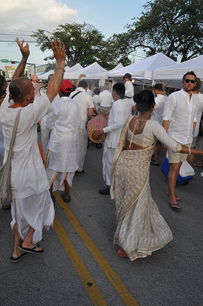 white linen night in the heights what