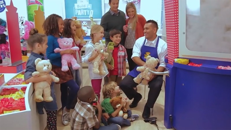 Mom Getting Blasted For Making Birthday Party Goers Give Up Build A Bears To Daughter Abc7 New York