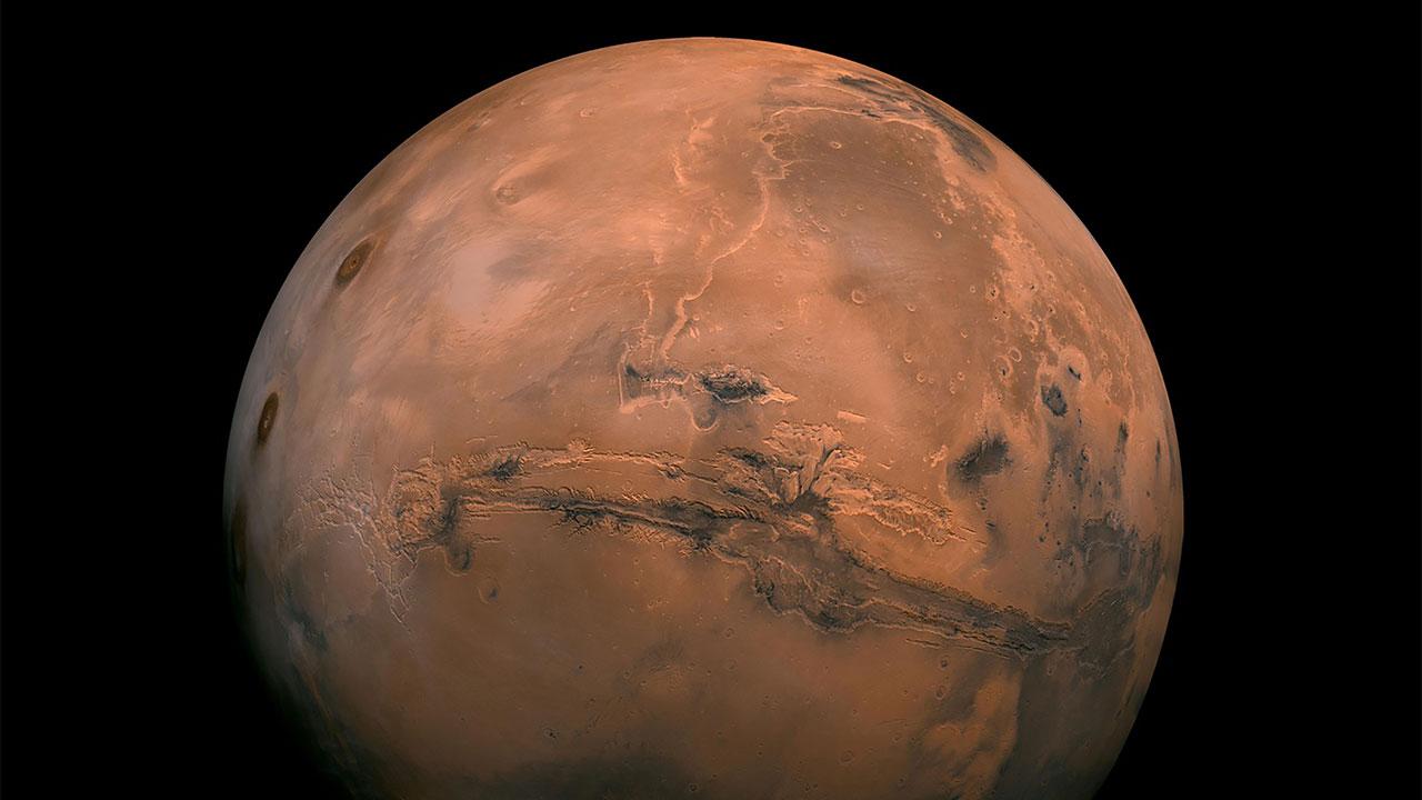 Este martes 13, Marte estará alineado con el Sol y la Tierra