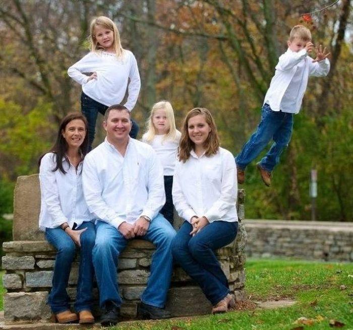 Funny Family Photos 26 Pics