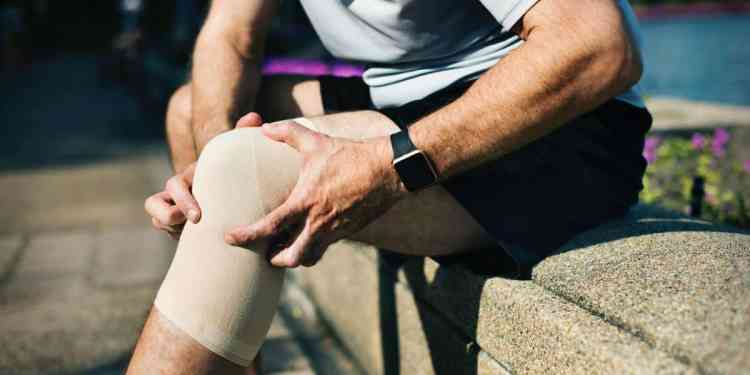 Knee injuries are one of the most common workout injuries.