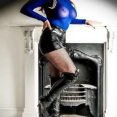 Carly knight Belfast Northern Ireland BT1 British Escort