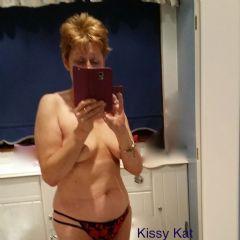 Kissy Kat Crawley South East RH11 British Escort