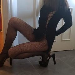 ~ forever playgirl ~ West, East Molesey, Walton, Kingston South East Kt8 British Escort