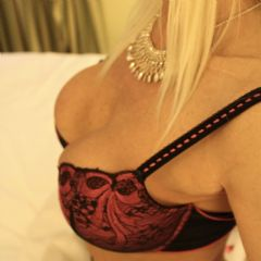 simply louise Stevenage St Albans Hitchin Hatfield Hertford  East of England (Anglia) SG1 British Escort