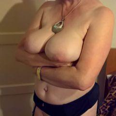 Sexy_Mature_Sue Cardiff Wales CF14 British Escort