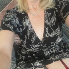 LoulouJ Chichester South East Po22 British Escort