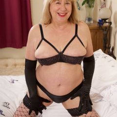Hot Mature Trisha Reading South East RG2 British Escort