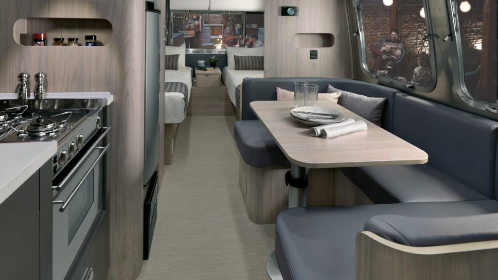 First Look New Globetrotter 23fb And 23fb Twin Floor