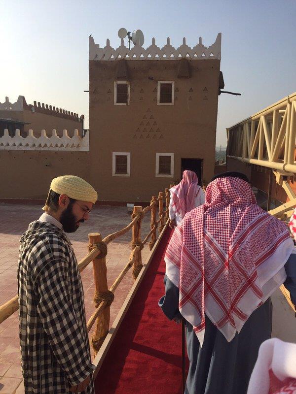 خالد بن طلال ينشر صوراً لزيارة ابن خالته من المغرب واستقبال خادم الحرمين له