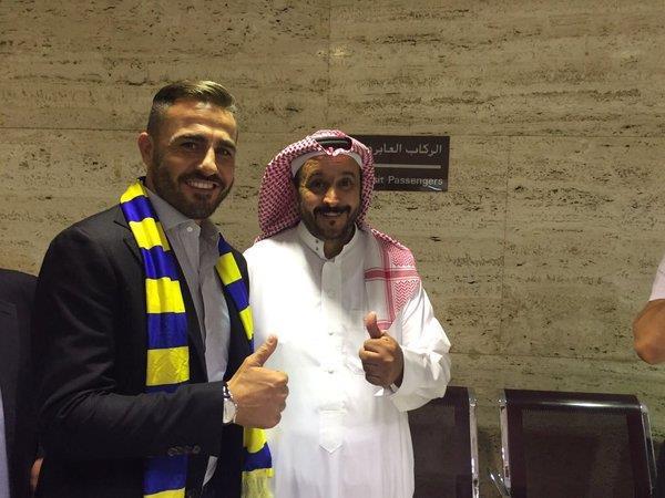 بالفيديو والصور.. مدرب النصر فابيو كانافارو يصل الرياض