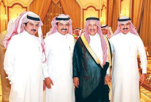 ( عجلان ومحمد وفهد العجلان مع الأمير سلطان بن محمد )
