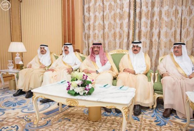 بالصور.. خادم الحرمين يعقد جلسة مباحثات مع الرئيس التشادي