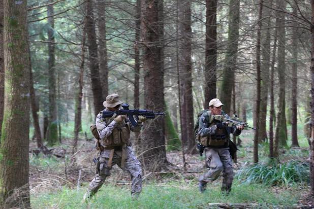 """بالصور.. تدريب عسكري """"واقعي"""" يجمع القوات الخاصة السعودية ونظيرتها الفرنسية"""
