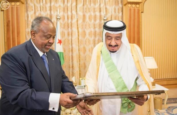 خادم الحرمين الشريفين يعقد جلسات مباحثات مع رئيس جيبوتي