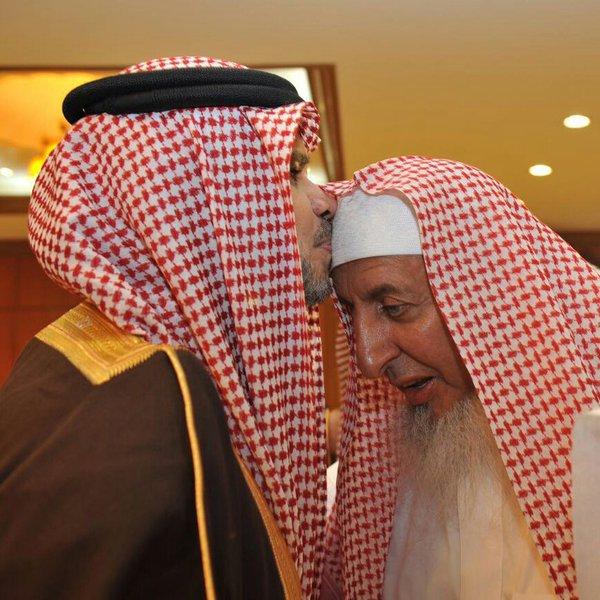 العيسى وال الشيخ يوقعان اتفاقية لجعل كبار العلماء مرجعاً استشارياً لـ التعليم