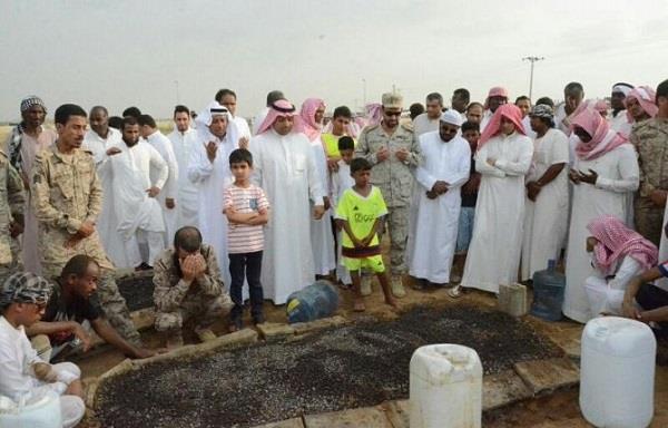 بالصور.. جموع غفيرة تشيع جثمان مساعد قائد اللواء الثامن بجازان