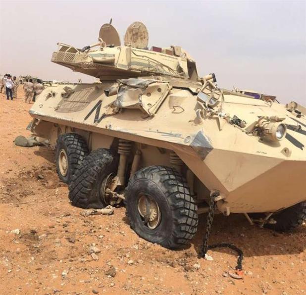 انقلاب عربة نقل ثقيلة تحمل مدرعتين تتبع الحرس الوطني