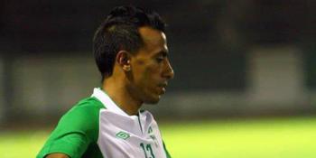 محمد عبد الشافي يواسي باخشوين بعد إصابته بالرباط الصليبي