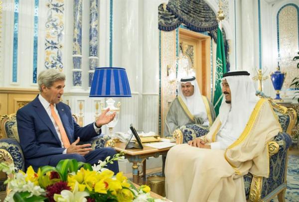 خادم الحرمين الشريفين يستقبل وزير الخارجية الأمريكي