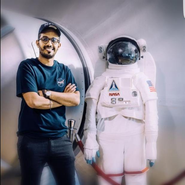 بالصور.. مهندس سعودي ينضم لوكالة ناسا للمشاركة في تصميم جهاز لبيئة معدومة الجاذبية