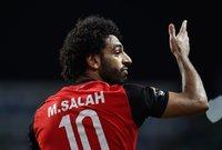ووعد وزير الرياضة بحل الأزمات الدائرة بين صلاح واتحاد الكرة