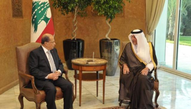 دعوة سعودية لعون لزيارة الرياض