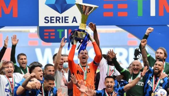 الراحلون والقادمون.. ماذا ينتظر الدوري الإيطالي في موسم 2021-2022؟