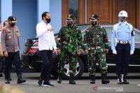 Di Yogyakarta, Presiden tinjau vaksinasi dan resmikan KRL