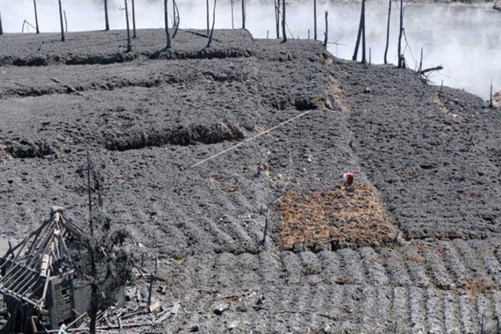 Dampak erupsi kawah Sileri – ANTARA News Bali