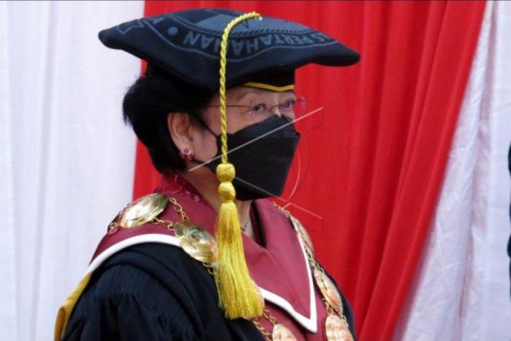 Pengukuhan Megawati Soekarnoputri sebagai guru besar